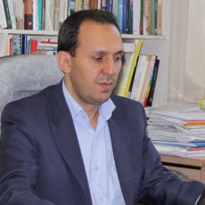 دکتر قنبر محمدی الیاسی : عضو هیات علمی دانشگاه تهران