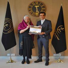 دریافت مدرک بین المللی کوچینگ از مستر ترینر و مدرس بین المللی انجمن جهانی کوچینگ اروپا ، آندریا میلز